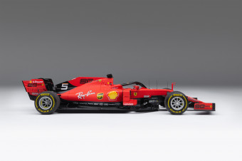 M6035-VET-1_-_Ferrari_SF90_F1_118_Scale_Driver_5_Vettel_-_Right_Side_4000x2677_crop_center